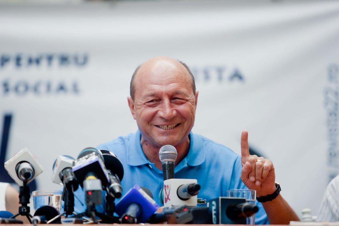 Partidul Miscarea Populara si Basescu